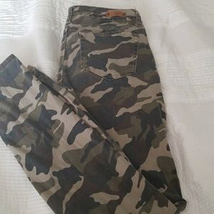 YMI camouflage perfect fit skinny jean jeggings